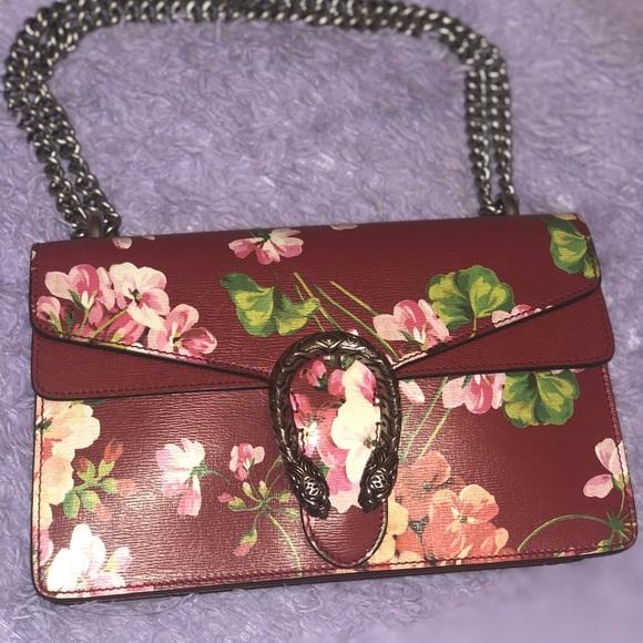 550de785ea37 Gucci Handbags - Gucci Blooms Dionysus Shoulder Bag